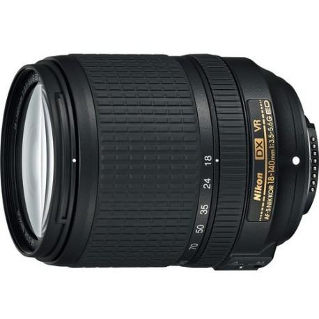 Nikon AF-S DX NIKKOR 18-140mm f / 3.5-5.6G ED VR