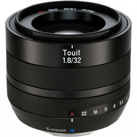 Zeiss TOUIT 32mm f/1.8 за FujiFilm X