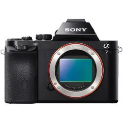фотоапарат Sony A7 + чанта Sony LCS-SL10 Soft Cаrrying Case (черен) + карта Sony SD 64GB UHS-1 SF64UX2 94MB/S 4K CLASS 10