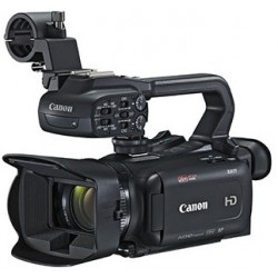 Camcorder Canon XA11 + Battery Canon BP-820 Battery Pack