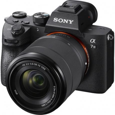 Sony a7 III + обектив Sony FE 28-70mm f/3.5-5.6 + карта Sony SDHC 64GB UHS-II U3 SF-M64/T