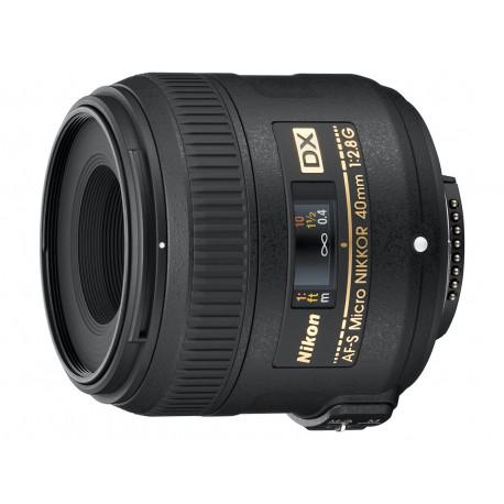 Nikon AF-S DX Micro Nikkor 40mm f / 2.8G