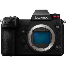 фотоапарат Panasonic Lumix S1 + обектив Panasonic Lumix S Pro 24-70mm f/2.8 + батерия Panasonic Lumix DMW-BLJ31 + софтуер Panasonic S1 V-Log