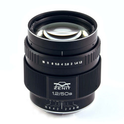 обектив Zenit Zenitar 50mm f/1.2 S за Nikon
