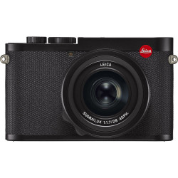фотоапарат Leica Q2