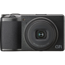 Camera Ricoh GR III