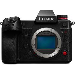фотоапарат Panasonic Lumix S1H + видеоустройство Atomos Shinobi + клетка Smallrig CCP2488 за Panasonic S1H