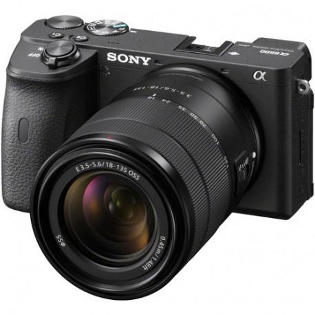 Camera Sony A6600 + Lens Sony E 18-135mm f / 3.5-5.6 OSS