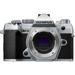 фотоапарат Olympus OM-D E-M5 Mark III (сребрист) + обектив Olympus ZD Micro 25mm f/1.8 MSC (черен)