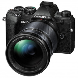фотоапарат Olympus OM-D E-M5 Mark III (черен) + обектив Olympus M. Zuiko Digital 12-200mm f/3.5-6.3 ED + статив Joby Gorillapod 1K Kit мини статив + батерия Olympus JUPIO BLS-50 BATTERY