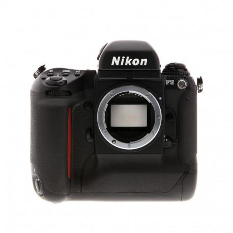 Nikon F5 + светкавица SB-26 + куфар Nikon (употребяван)