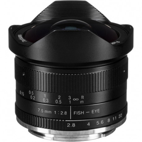 7.5mm f/2.8 - Fujifilm X