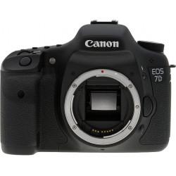 фотоапарат Canon EOS 7D + Canon EF 50mm f/1.8 II + Speedlite YN565EX (употребяван)